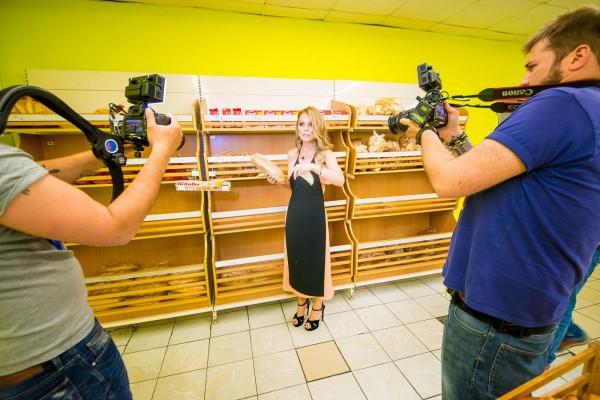 Оля Фреймут посоветовала украинцам при выборе продуктов в супермаркетах нюхать их и внимательно рассматривать
