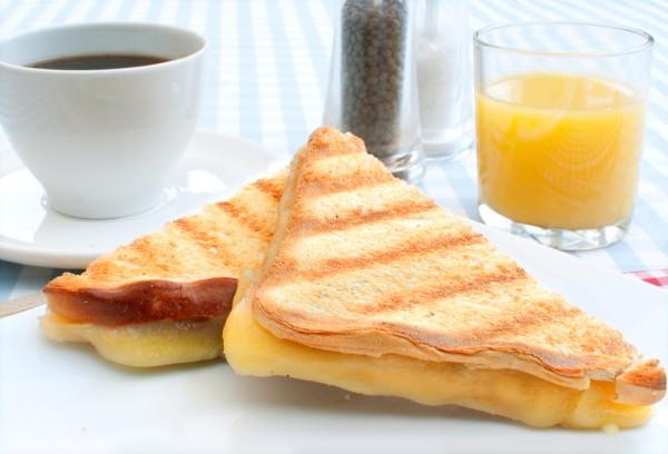 Кофе нейтрализует пользу сыра