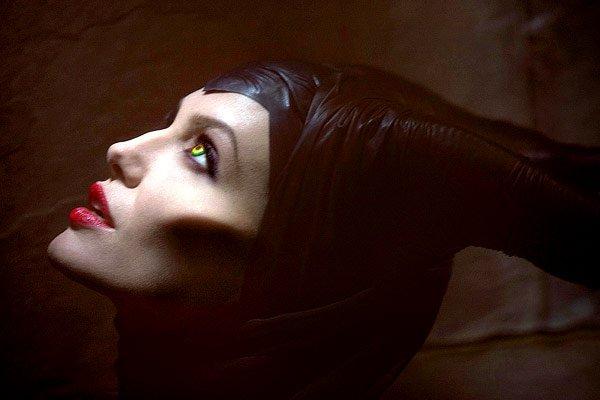 Опубликован первый снимок Анджелины Джоли в роли Малефисент