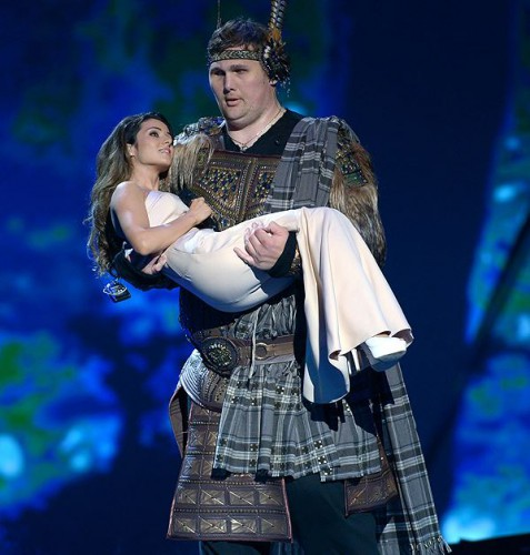 Злата Огневич и великан Игорь