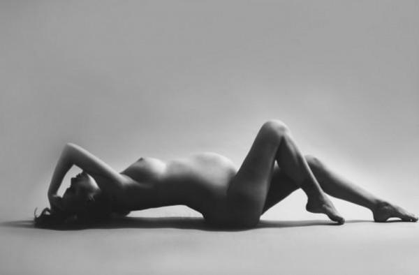 Слава сфотографировалась голой во время беременности