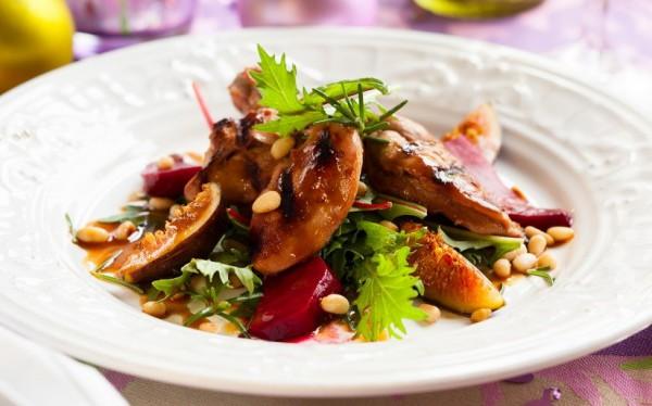 Рецепт                  Новогодний салат из свеклы и шампиньонов