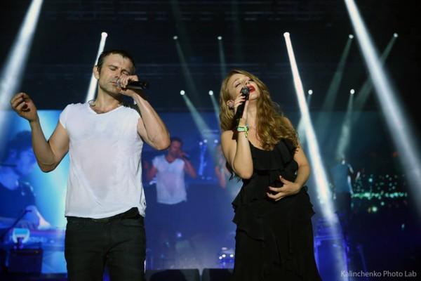 Тина Кароль спела со Святославом Вакарчуком