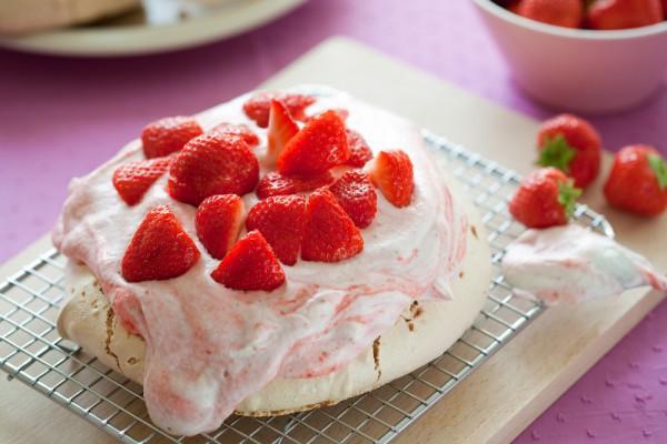 Павлова – знаменитый торт из безе