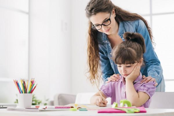 Нельзя давить на ребенка во время выполнения домашнего задания
