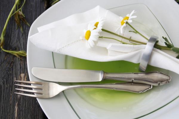 Ромашки украсят любой летний стол