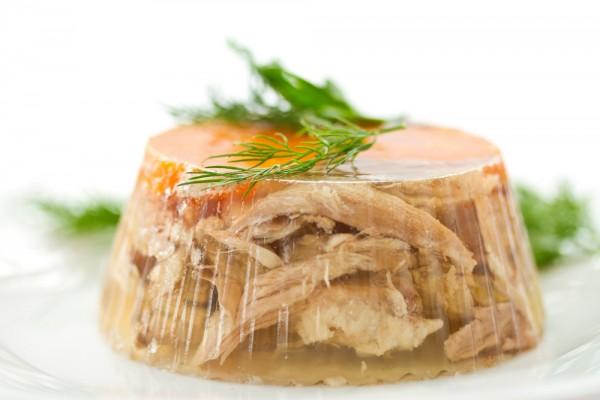 Заливное из мяса и овощей на Покрову
