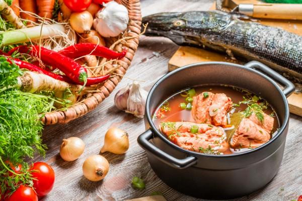 Как приготовить гороховый суп с копченой косточкой