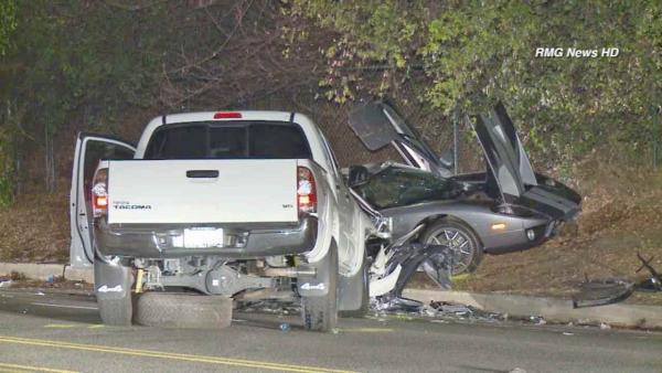 Фото с места аварии брата Сальмы Хайек