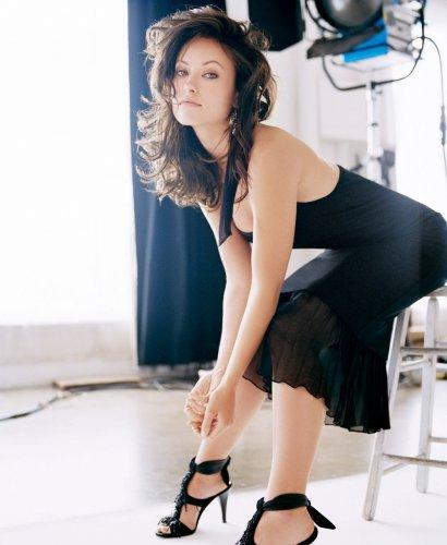 Оливия Уайлд. Наиболее известна ролью Тринадцатой в телесериале Доктор Хаус. Свою карьеру в кино она начала как помощница специалиста по подбору актеров