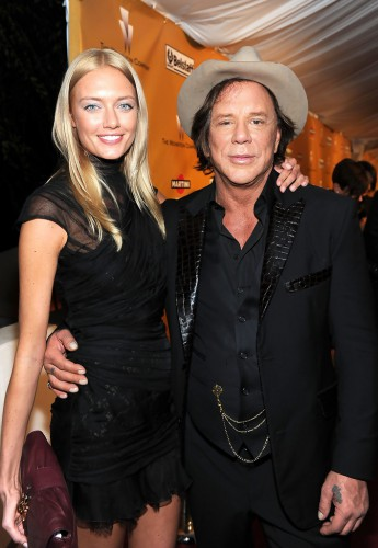 Микки Рурк засветился на публике с молодой российской моделью Анастасией Макаренко
