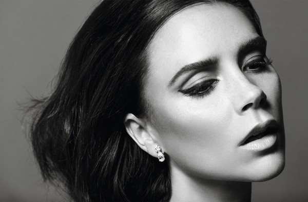 Виктория Бекхэм стала приглашенным редактором декабрьского номера Vogue Paris