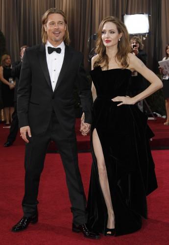 Точная дата свадьбы Джоли и Питта, как и место ее проведения, пока неизвестны
