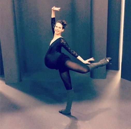 Беременная балерина