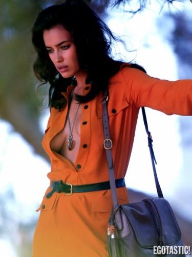 Ирина Шейк в сексуальном платье