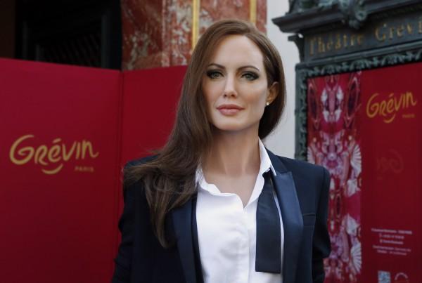 Джоли прекращает актерскую карьеру
