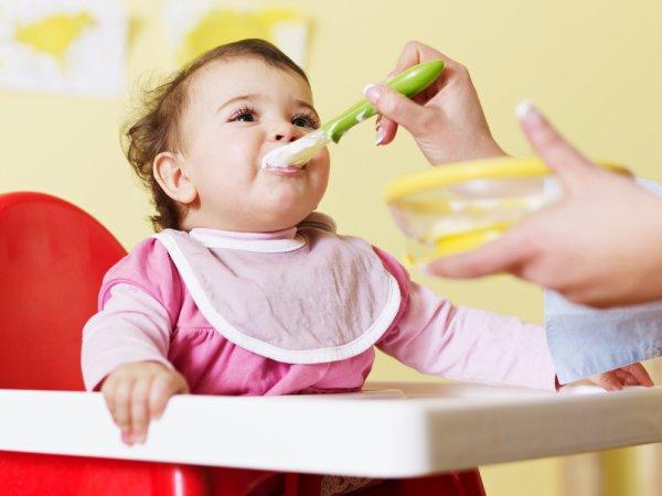 Постепенно вводи в рацион ребенка разные овощи