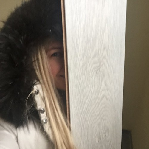 Артистка Вера Брежнева начала ремонт в своем доме