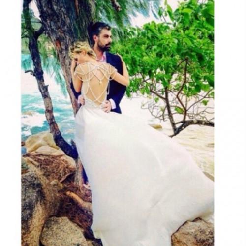 Гагарина в свадебном платье
