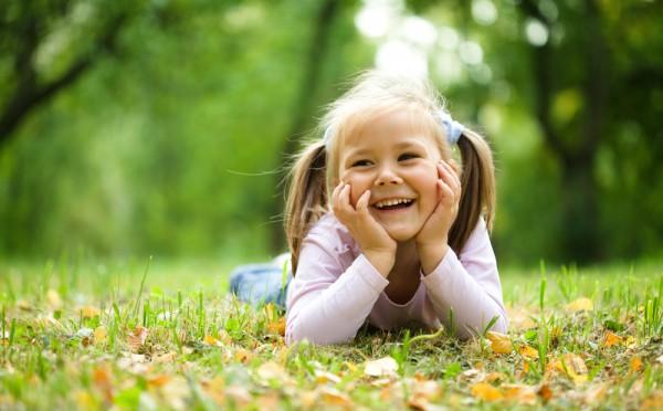Хурму можно давать малышам старше 3-х лет при условии, что ребенок не страдает атопическим дерматитом