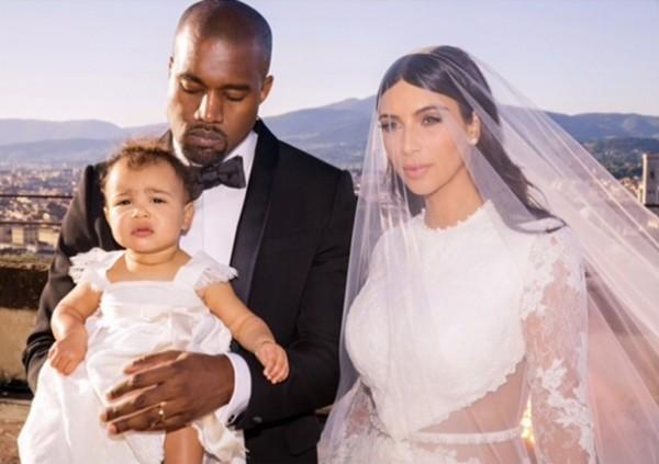 Ким Кардашьян показала трогательное свадебное фото