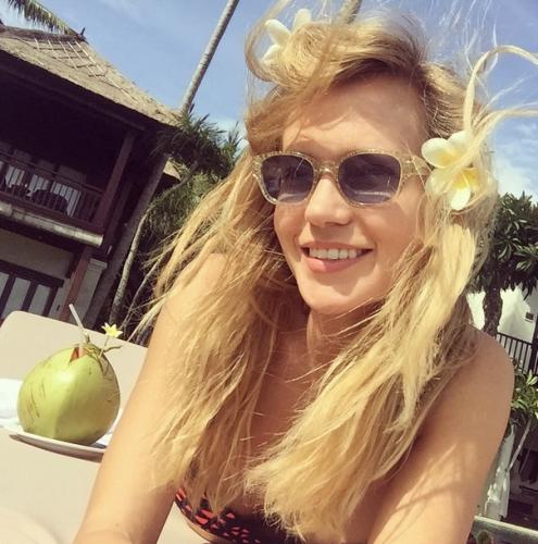 Певица Глюкоза отправилась отдыхать на остров Бали