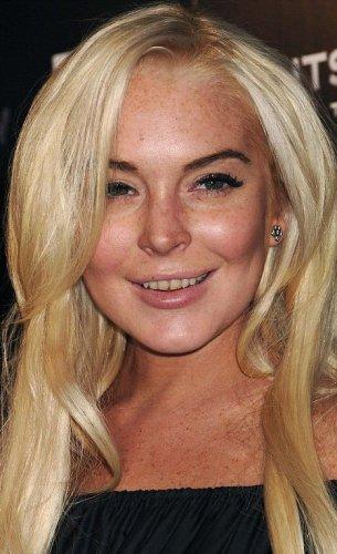 Зубы актрисы выглядят не очень эстетично