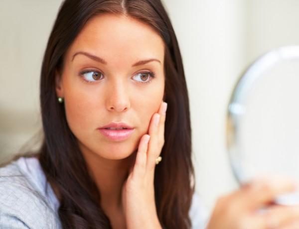 Если твоя кожа слишком сухая, возможно, тебе внести изменения в свое меню и режим дня