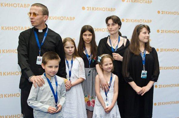 Иван Охлобыстин признался, что порой не помнит, как зовут его детей
