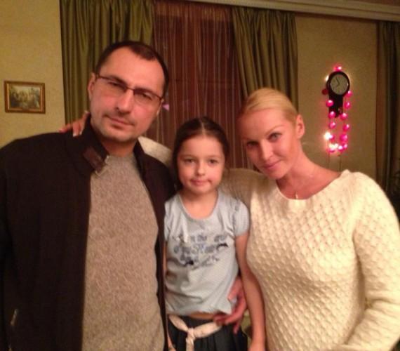 Анастасия Волочкова с экс-супругом Игорем Вдовиным и их дочкой Ариадной