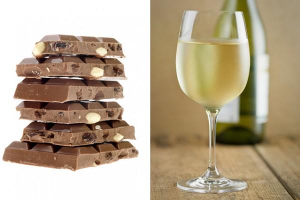 Шоколад с орехами подают к белому вину