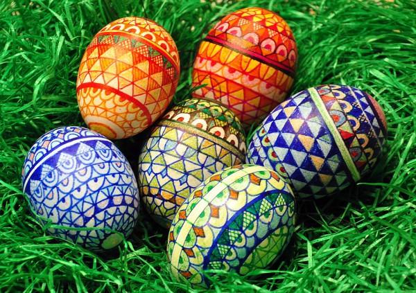 Пасхальные яйца с орнаментом