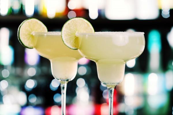 Крепкие напитки для девушек