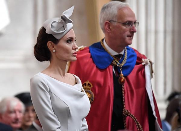 Анджелина Джоли в соборе Святого Павла