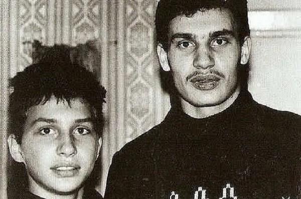 В Сеть попало архивное фото братьев Кличко