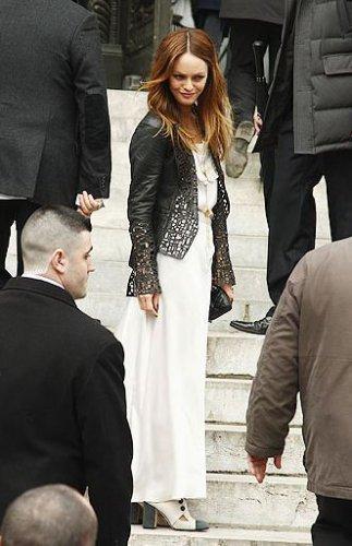 Ванесса Паради на показе Chanel