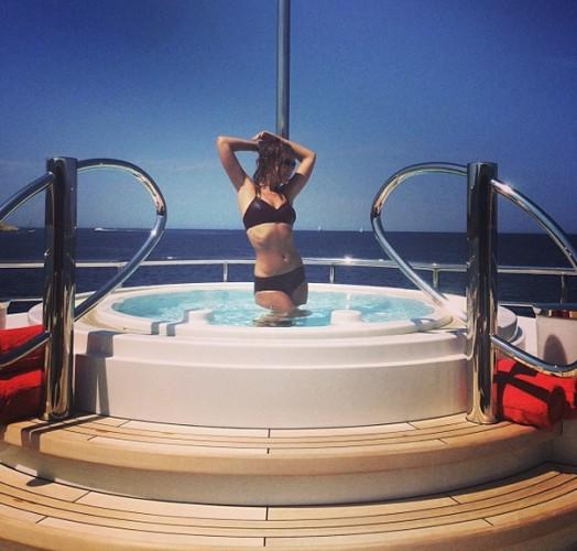 Ксения Собчак похвасталась стройной фигурой instagram.com/xenia_sobchak