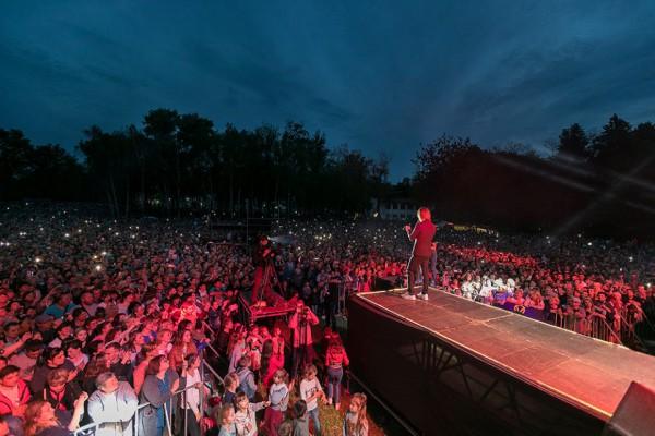 Концерт Олега Винника в родном селе