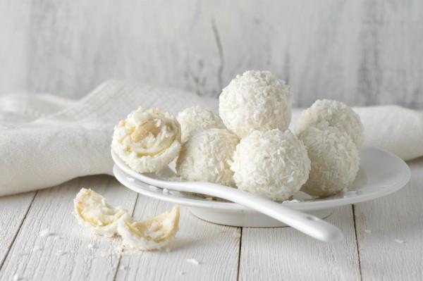 Конфеты на День Валентина кокосовые
