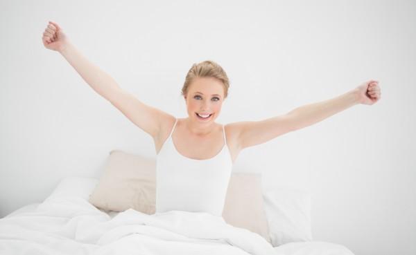 Даже короткая утренняя зарядка поможет быстро взбодриться