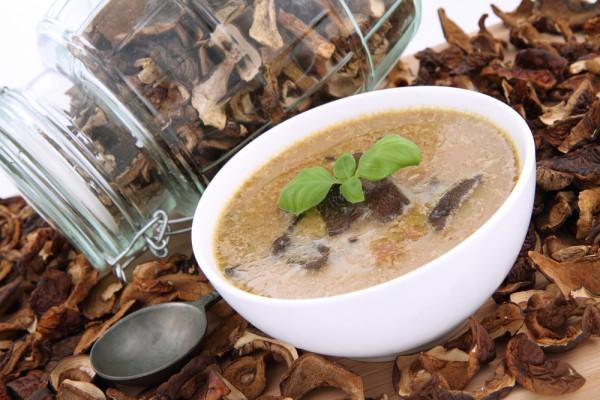 Рецепт                  Суп с белыми грибами и вермишелью