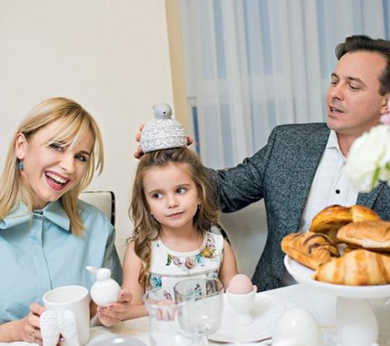 Супруги Лилия Ребрик и Андрей Дикий с дочерью Дианой