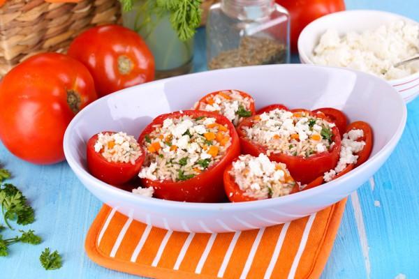 Фаршированные помидоры с фетой
