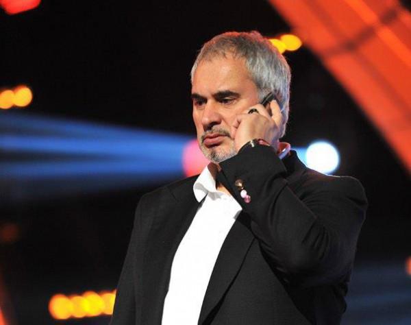 Директор российского певца Валерия Меладзе втянул артиста в скандал