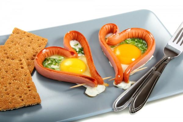 Сердечная яичница на День Валентина