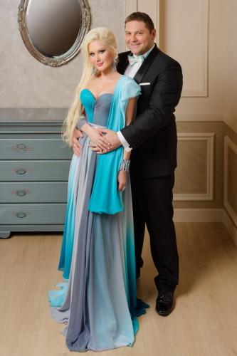 Катя и Дмитрий любят путешествовать по миру
