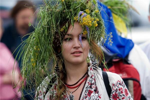 В народе Троицкую неделю именовали зелеными святками