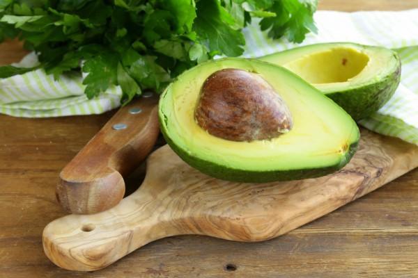 Авокадо содержит большое количество жиров