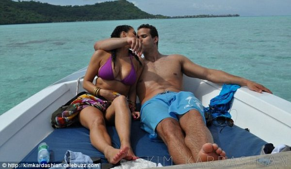 Еще совсем недавно Ким и Крис всюду отдыхали вместе
