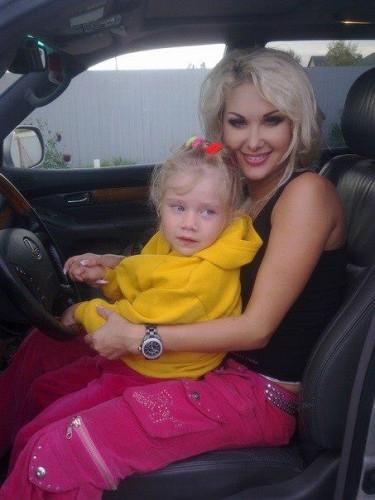 Катя Бужинская показала фото дочки Алены